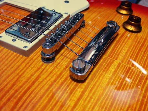 ギターブリッジ