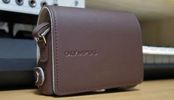 OLYMPUS STYLUS XZ-10用 ケース&ストラップ CSCH-115 BRW