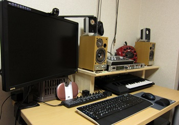 desk05_20130924112033a2d.jpg