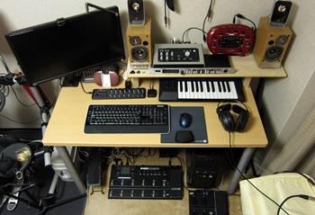 desk06_20130924112156675.jpg