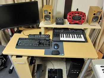 desk3_20130924111934332.jpg