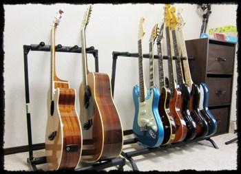 アコースティックギター、エレキギター、ベース