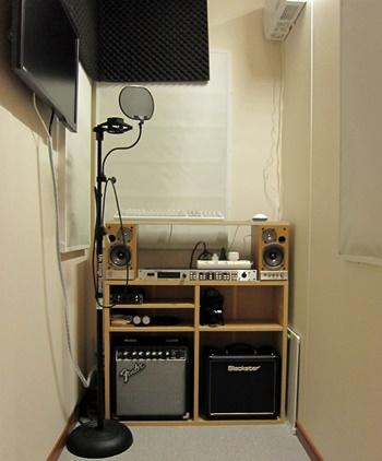 防音室の中のONKYO WAVIO GX-D90