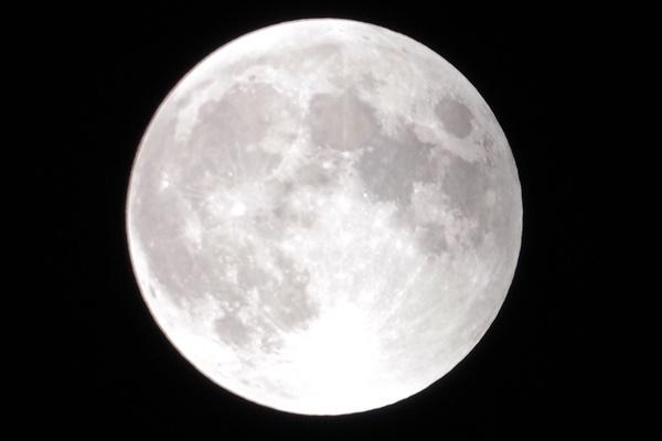 moon2014100809
