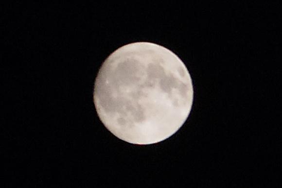 中潮の月 PENTAX Q-S1