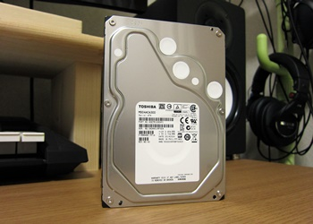 東芝製 HDD MD04ACA300